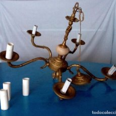 Vintage: LÁMPARA TECHO ANTIGUA DE METAL COLOR BRONCE DECORACIÓN VELAS Y QUERUBÍN. Lote 94378870
