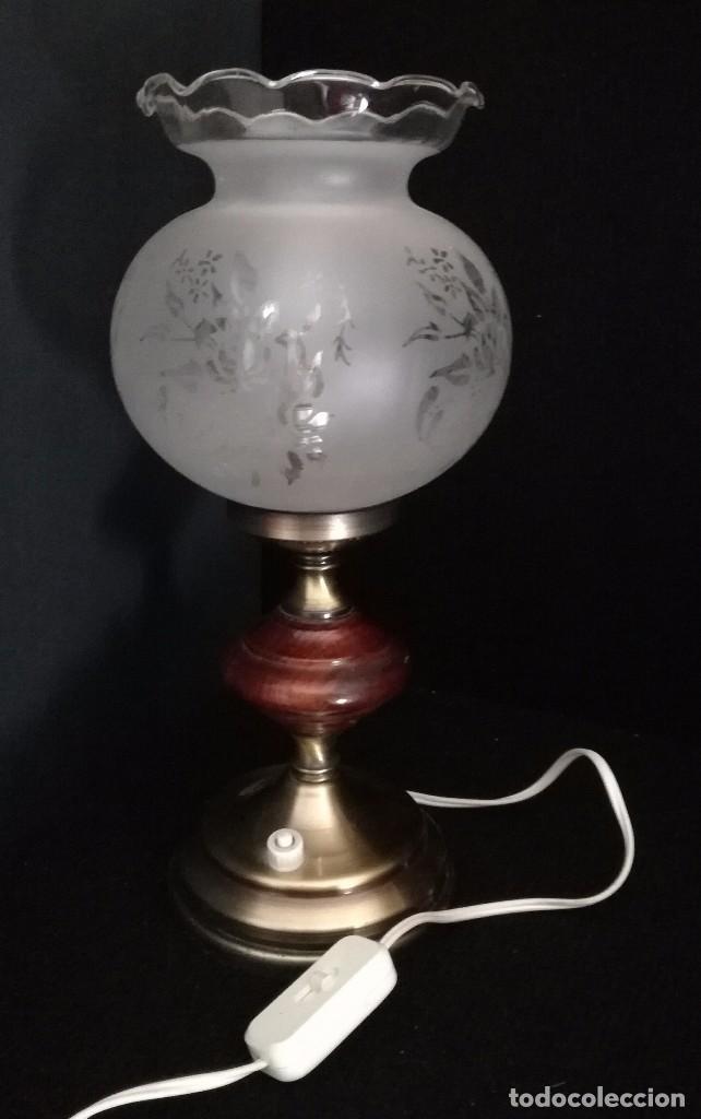 Antigua lampara de mesita de noche metal y made comprar - Lamparas para mesitas de noche ...