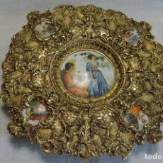 Vintage: PLATO DE BRONCE Y PORCELANA. Lote 96601127