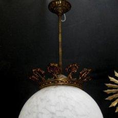 Vintage: LAMPARA ANTIGUA MODERNISTA GRAN BOLA TULIPA OPALINA MARMOLEADA Y BRONCE . Lote 97397011
