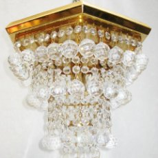 Vintage: LAMPARA VINTAGE EN METAL CROMADO Y BOLAS CRISTAL FACETADAS. Lote 110786368