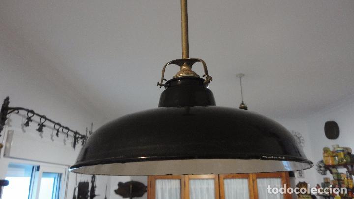 ANTIGUA LAMPARA TULIPA METAL ESMALTADO.RETRO VINTAGE INDUSTRIAL.AÑOS 30,40 (Vintage - Lámparas, Apliques, Candelabros y Faroles)