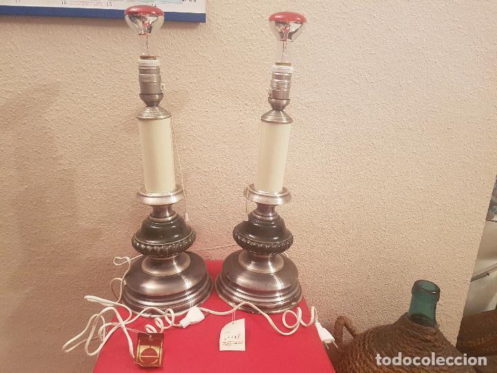 PAREJA DE LAMPARAS LAMPARA DISEÑO SOBREMESA RETRO VINTAGE PORCELANA Y TIPO PLATA OXIDADA MODERNISTA (Vintage - Lámparas, Apliques, Candelabros y Faroles)