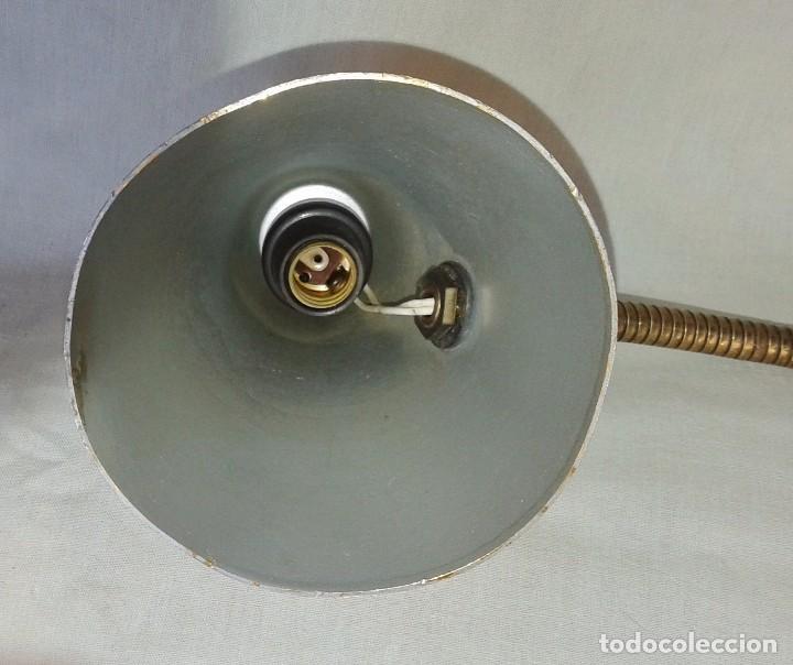 Vintage: Lámpara Vintage tipo flexo orientable, de sobremesa en aluminio anodizado dorado - Foto 6 - 101366827