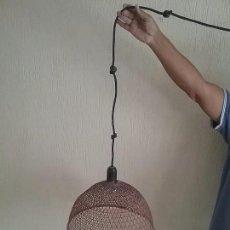 Vintage: LAMPARA ANTIGUA DE MIMBRE AÑOS 60. DISEÑO VINTAGE LAMPARA DE TECHO . Lote 101420519