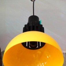 Vintage: LAMPARA DE LOS AÑOS 60 DE TECHO AMARILLA VINTAGE ANTIGUA 1960 SPACE AGE RETRO. Lote 102338943