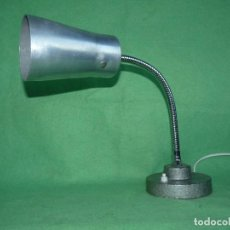 Vintage: INDESTRUCTIBLE LAMPARA SOBREMESA FLEXO DISEÑO INDUSTRIAL ALEMANIA AÑOS 50 MID CENTURY VINTAGE. Lote 102853187