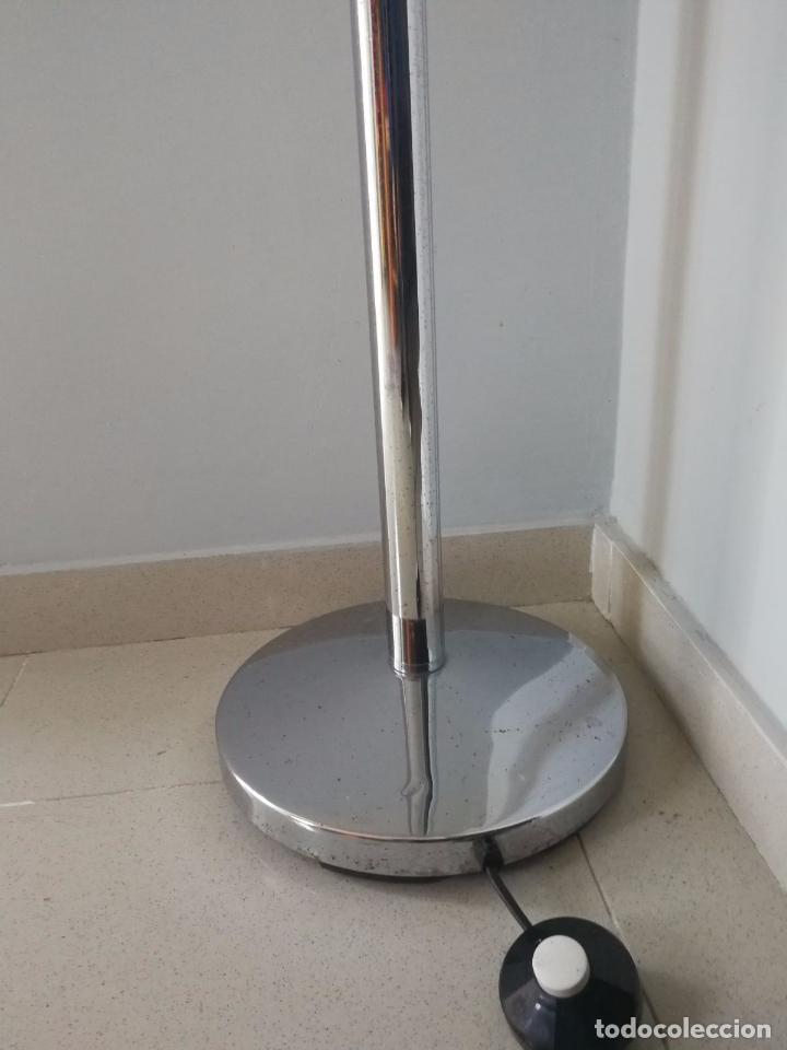 Vintage: Lampara de pie Vintage - Age space - Cromada y metacrilato - 1,85 m - Foto 4 - 104069691