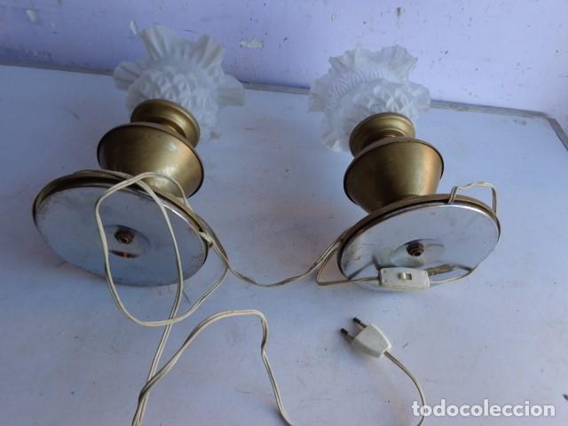 Vintage: PAREJA DE 2 ANTIGAS LAMPARAS MESITA (AÑOS 60 RETRO VINTAGE) DE LATON, COMPLETAS Y FUNCIONANDO - Foto 5 - 104670839