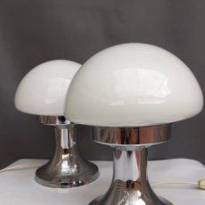 Vintage: PAREJA LAMPARAS SETA PIE CROMADO TULIP CRISTAL BLANCO INDUSTRIAS QUIEL VALENCIA ESPAÑA 60 70 LAMPARA. Lote 104901215