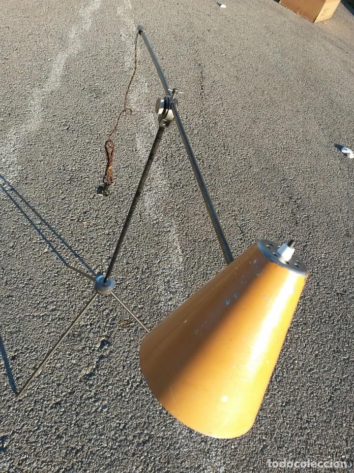Vintage: Lámpara vintage años 50 de pie LUNEL para sillón orejero o sofá . MUY GRANDE 180cm - Foto 2 - 105026295