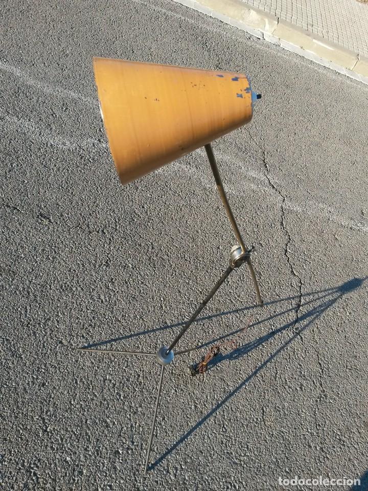 Vintage: Lámpara vintage años 50 de pie LUNEL para sillón orejero o sofá . MUY GRANDE 180cm - Foto 6 - 105026295