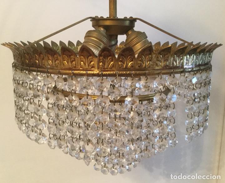 Vintage: LAMPARA DE TECHO VINTAGE DE METAL DORADO Y CRISTALES - Foto 2 - 105657812