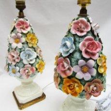 Vintage: MUY DIFICIL PAREJA LAMPARAS MANISES CERAMICA FLORES COLORES VINTAGE POP. Lote 108829343