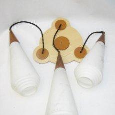 Vintage: PRECIOSA LAMPARA COLGANTE ESTILO DISEÑO NORDICO TULIPAS CRISTAL TECA Y FORMICA. Lote 110062103