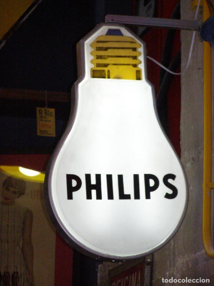 CARTEL LUMINOSO PHILIPS DOBLE CARA FORMA BOMBILLA. ORIGINAL AÑOS 1960S (Vintage - Lámparas, Apliques, Candelabros y Faroles)