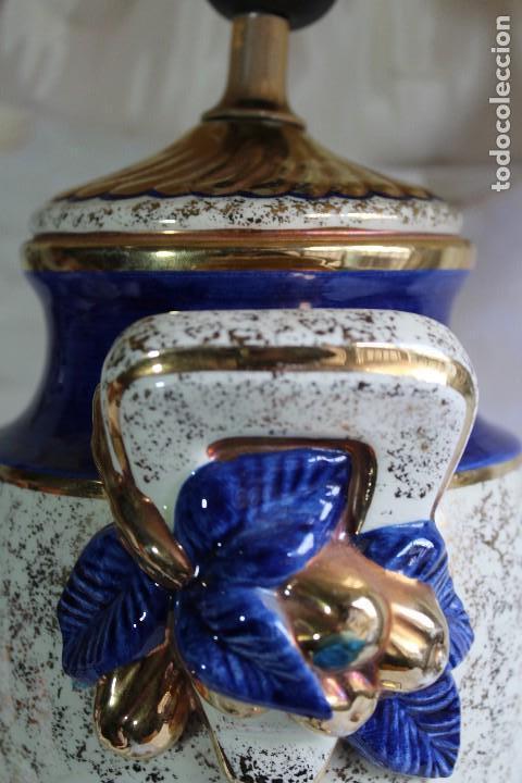 Vintage: LAMPARA DE SOBREMESA ESTILO IMPERIO CERÁMICA VALENCIANA MANISES FIRMADA BONDIA - Foto 3 - 114469447