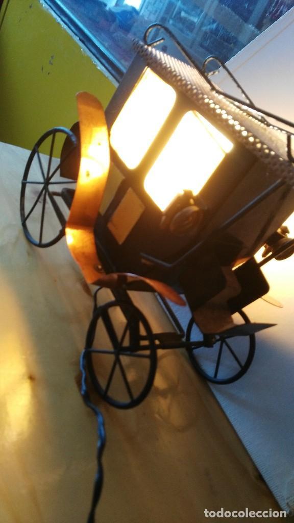 DILIGENCIA- CARRUAJE - LAMPARA -ILUMINADA A CORRIENTE (Vintage - Lámparas, Apliques, Candelabros y Faroles)
