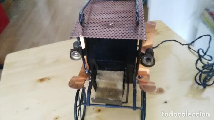 Vintage: diligencia- carruaje - lampara -iluminada a corriente - Foto 4 - 114701211