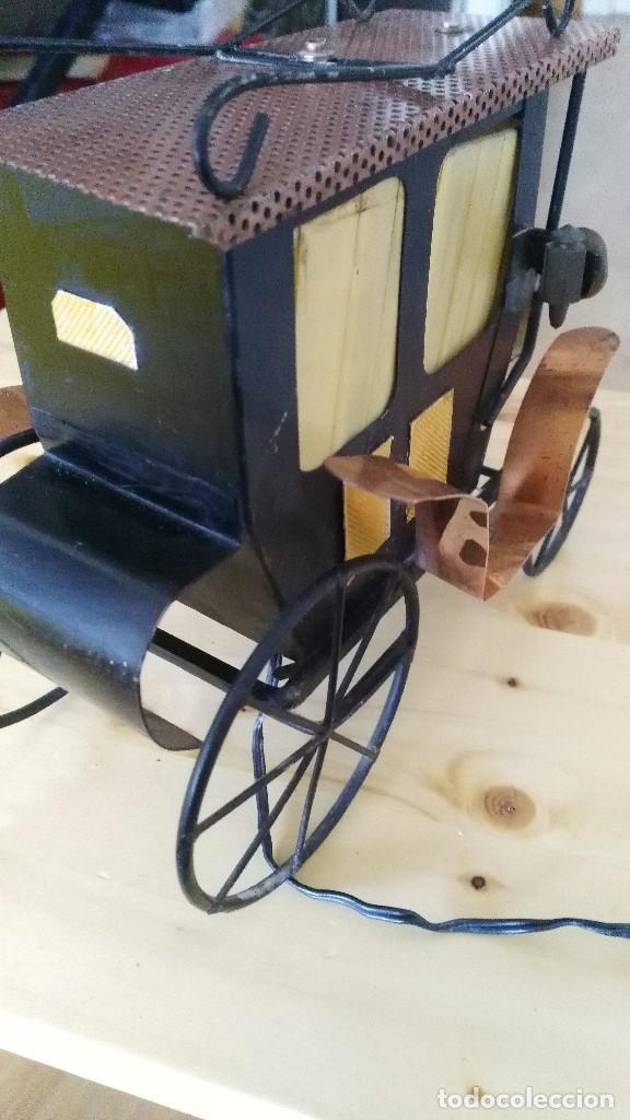 Vintage: diligencia- carruaje - lampara -iluminada a corriente - Foto 6 - 114701211