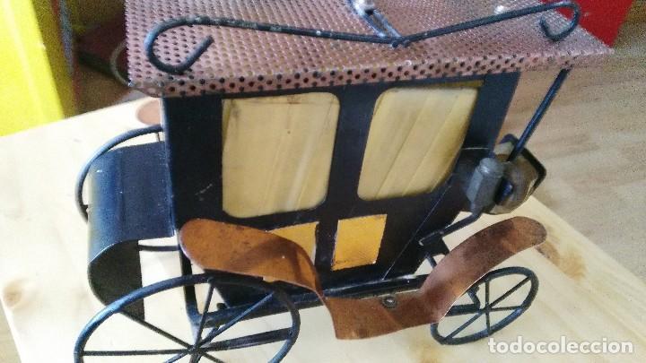 Vintage: diligencia- carruaje - lampara -iluminada a corriente - Foto 7 - 114701211