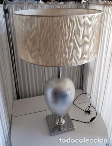 Vintage: ESPECTACULAR LAMPARA MODERNA DE SOBREMESA EXCLUSIVO DISEÑO CON BASE METÁLICA - Foto 2 - 115203647