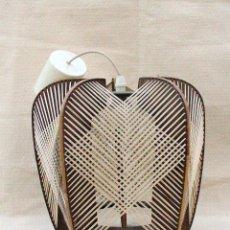Vintage: LAMPARA DE TECHO ESTILO NÓRDICO, DE MADERA Y RAFIA. Lote 118563055