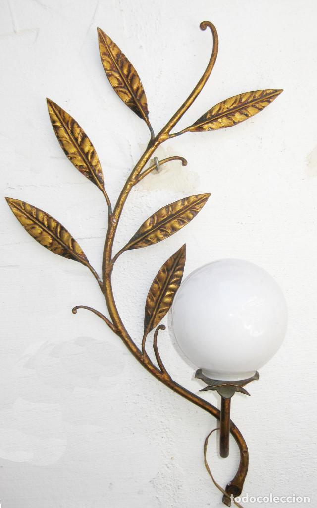Vintage: LAMPARA APLIQUE VINTAGE METAL DORADO TIPO FERRO ART PAN DE ORO TIPO SOL - Foto 2 - 118591587