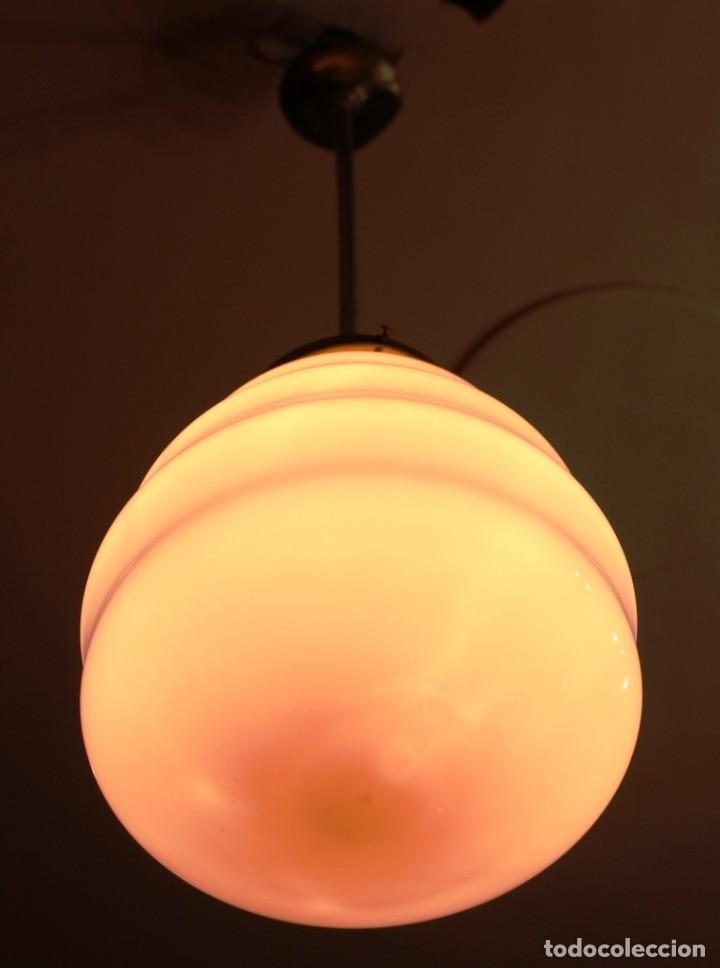 Vintage: Lámpara de techo de opalina rosa. Original vintage años 60/70. - Foto 22 - 118671299