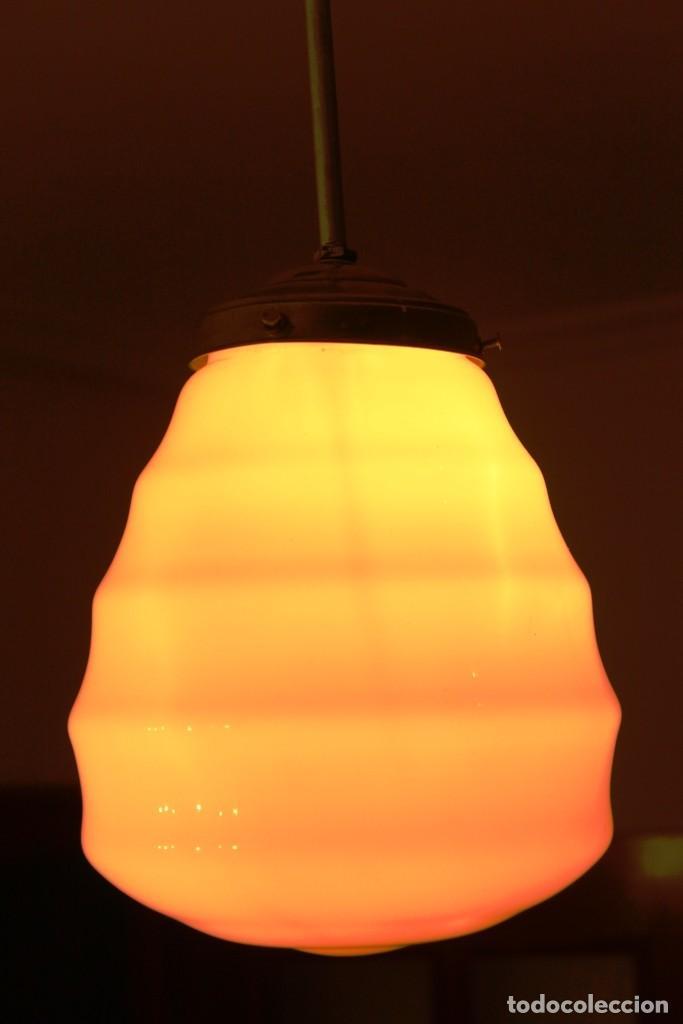 Vintage: Lámpara de techo de opalina rosa. Original vintage años 60/70. - Foto 30 - 118671299