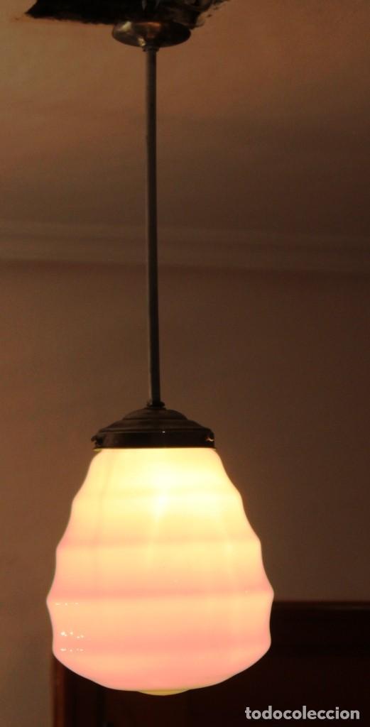 Vintage: Lámpara de techo de opalina rosa. Original vintage años 60/70. - Foto 32 - 118671299