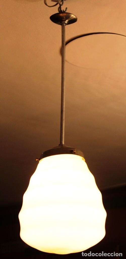 Vintage: Lámpara de techo de opalina rosa. Original vintage años 60/70. - Foto 33 - 118671299