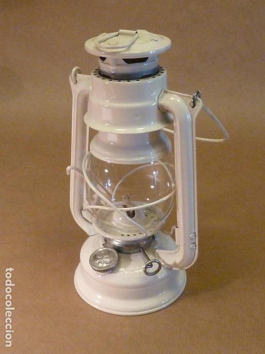 Lámpara-farol vintage de parafina, marca Meva modelo 863, color blanco