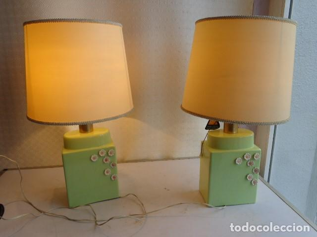 PAREJA DE 2 ANTIGUAS (AÑOS 60 RETRO VINTAGE), Y BONITS LAMPARAS DE BUENA PORCELANA FUNCIONANDO (Vintage - Lámparas, Apliques, Candelabros y Faroles)