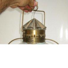 Vintage: LAMPARA FAROL TIPO BARCO EN CRISTAL Y METAL DORADO DECORACION NAUTICA. Lote 124375575