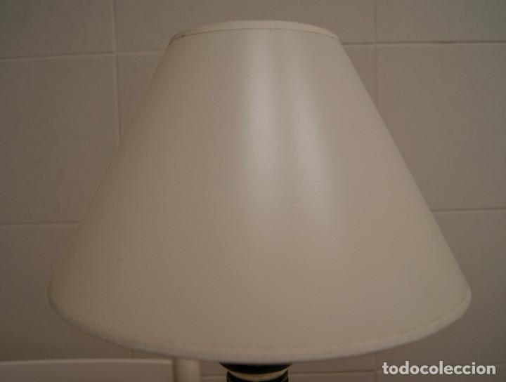 Vintage: Lámpara sobremesa de cerámica tipo porcelana - Foto 2 - 126951783