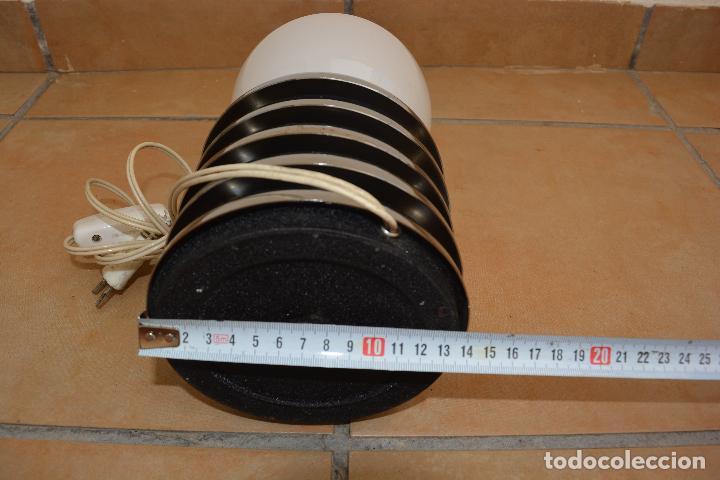 Vintage: Lampara Vintage Sobremesa Space Age Metal Cromado - Globo Opalina 70s - Foto 6 - 128373187