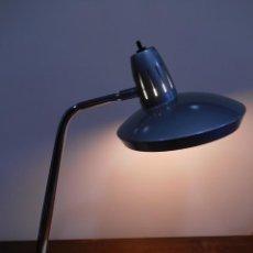 Vintage: LAMPARA MARCA FASE - MODELO FARO - COLOR GRIS/CROMO - AÑOS 70 - VINTAGE RETO -ORIGINAL -. Lote 128463251
