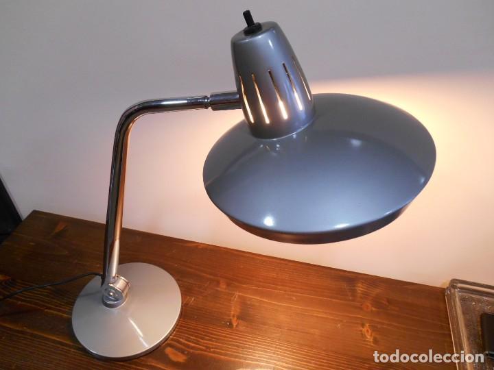 Vintage: LAMPARA MARCA FASE - MODELO FARO - COLOR GRIS/CROMO - AÑOS 70 - VINTAGE RETO -ORIGINAL - - Foto 4 - 128463251