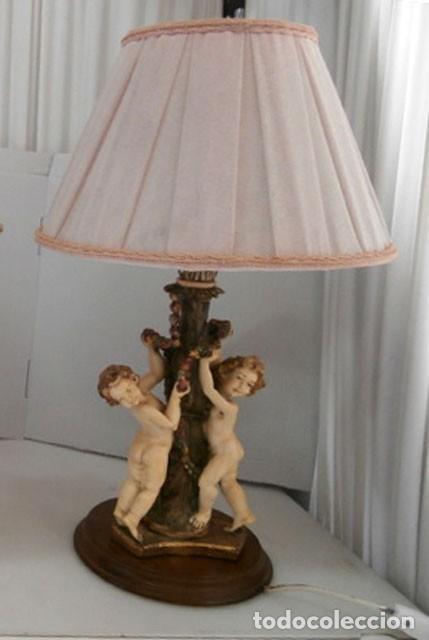 LAMPARA DE SOBREMESA CON CUERPO DE RESINA EN FORMA DE ANGEL, BASE DE MADERA MAS TULIPA (Vintage - Lámparas, Apliques, Candelabros y Faroles)