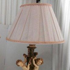 Vintage: LAMPARA DE SOBREMESA CON CUERPO DE RESINA EN FORMA DE ANGEL, BASE DE MADERA MAS TULIPA . Lote 128698319