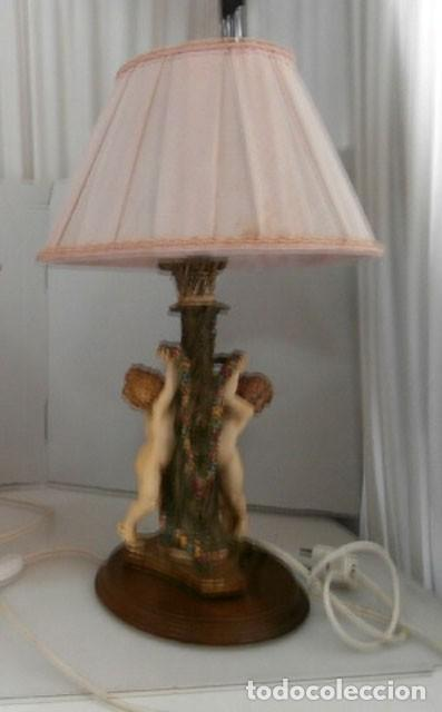 Vintage: LAMPARA DE SOBREMESA CON CUERPO DE RESINA EN FORMA DE ANGEL, BASE DE MADERA MAS TULIPA - Foto 3 - 128698319