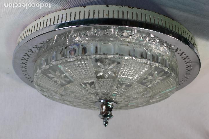 Vintage: lampara plafon de techo en metal y tulipa de cristal tallado - Foto 2 - 130264574