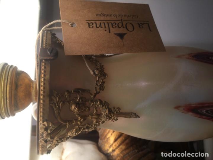 Vintage: Exclusiva pareja de lámparas Napoleón en Opalina y bronce 52 cm USA años 50 - Foto 2 - 118120448
