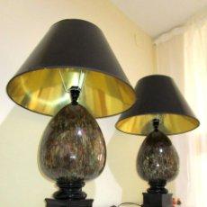 Vintage: SUPER LUJOSA PAREJA XXL DE LAMPARAS GLOBO MANISES CERAMICA MARMOLEADA NEGRO ORO ES. Lote 131882626