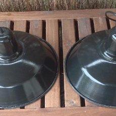Vintage: PAREJA LAMPARA INDUSTRIAL ESMALTADA - GRAN TAMAÑO DIAMETRO 37 CM - ALTURA DE 18 CM. Lote 133696710