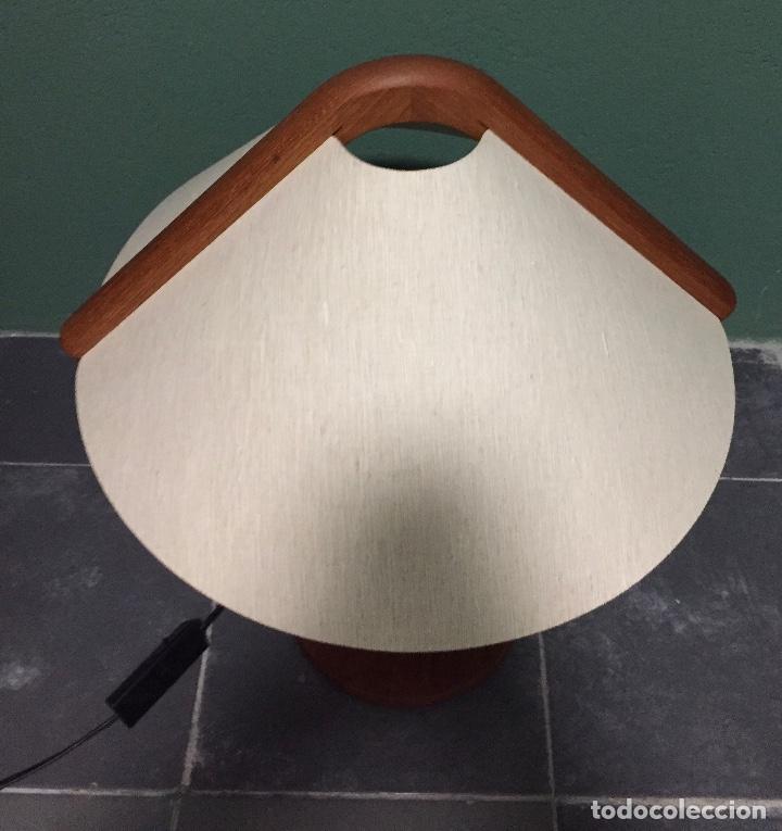 Vintage: Lampara sobremesa danesa en madera de teca - Foto 2 - 135814990