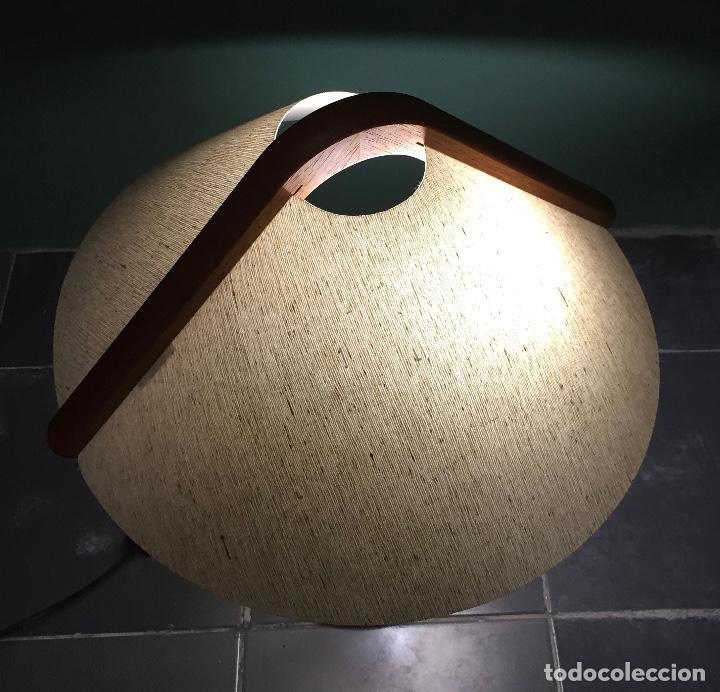 Vintage: Lampara sobremesa danesa en madera de teca - Foto 10 - 135814990
