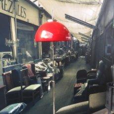 Vintage: VINTAGE LAMPARA DE PIE CROMADA CON GRAN TULIPA PLASTICA COLOR ROJO , AÑOS 70. Lote 123439998
