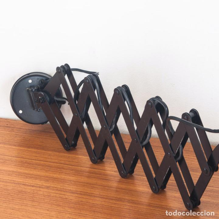 Vintage: Lámpara flexo de acordeón. Hierro lacado. España, años 70 - Foto 3 - 136791938